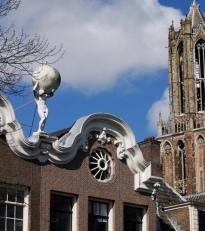 Herculus/Aardkloot/Nieuwe Gracht Utrecht by Ton Mooy